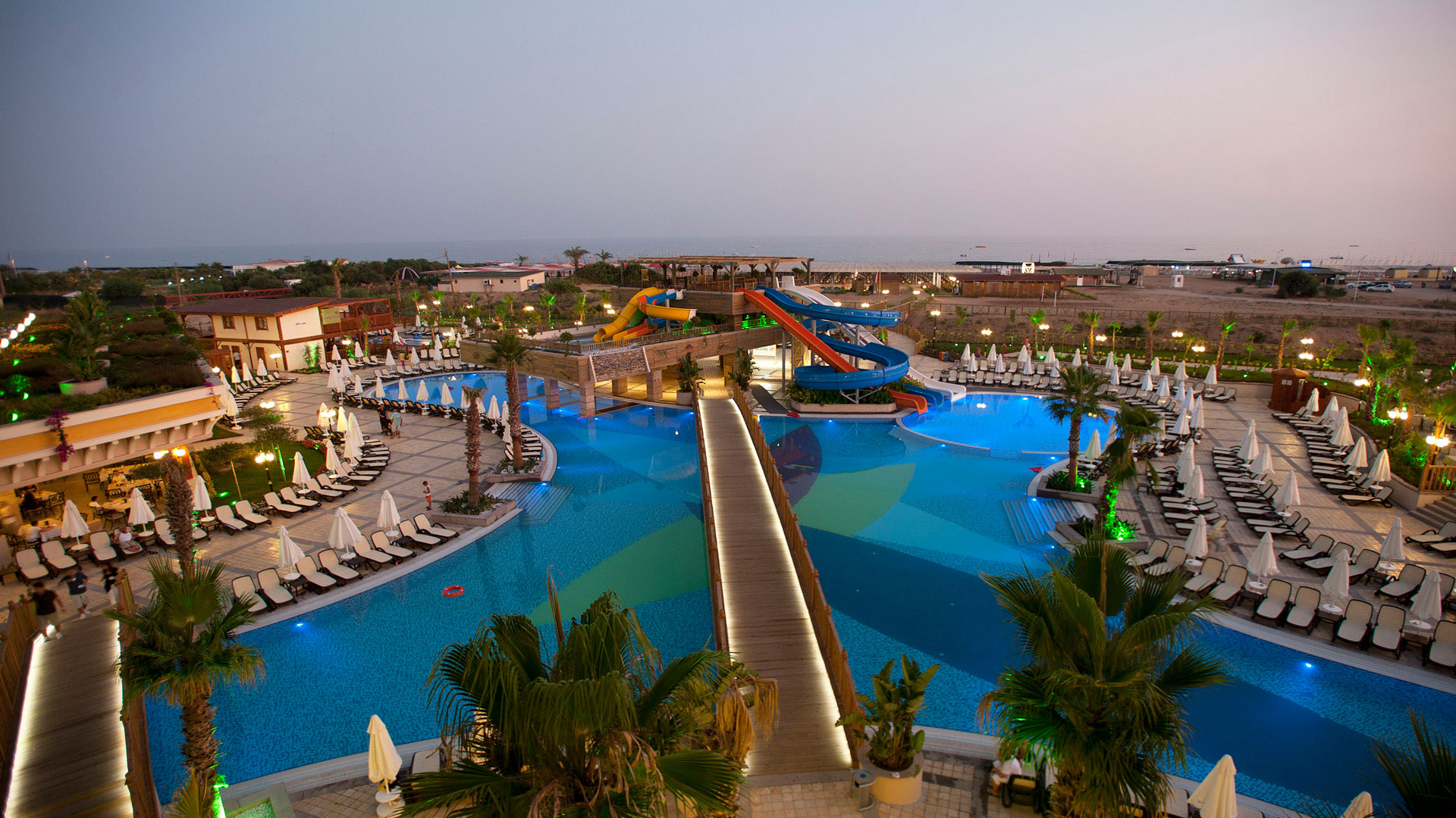CRYSTAL PALACE LUXURY RESORT & SPA HOTEL Genel