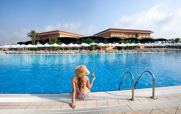 CRYSTAL PARAİSO VERDE RESORT & SPA HOTEL