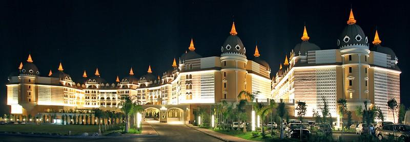 ROYAL ALHAMBRA PALACE HOTEL Genel